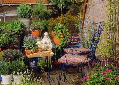 Fresh mediterrane gartengestaltung lavendel kuebel pflanzen gewuerze thymian rosmarin balkon terrasse Plants Pinterest Balconies Garden inspiration and