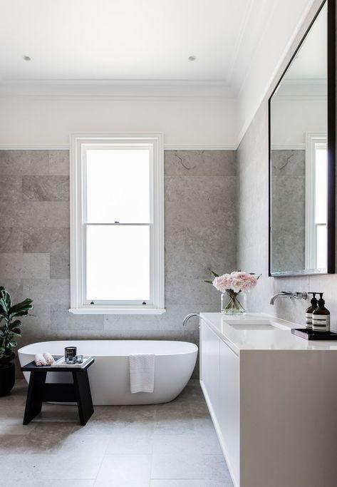 Steinoptik An Den Wanden Im Badezimmer Besonders In Grau