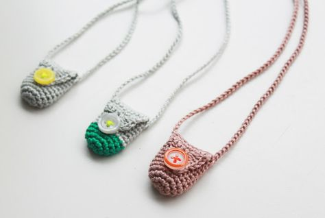 I want some of these to carry stones against my heart chakra! Lutter Idyl: Hæklet karma