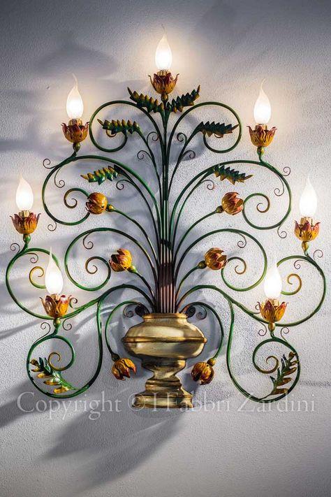 Applique a 7 luci in ferro battuto dipinta a mano - Decoro: Vaso con fantasia di fiori