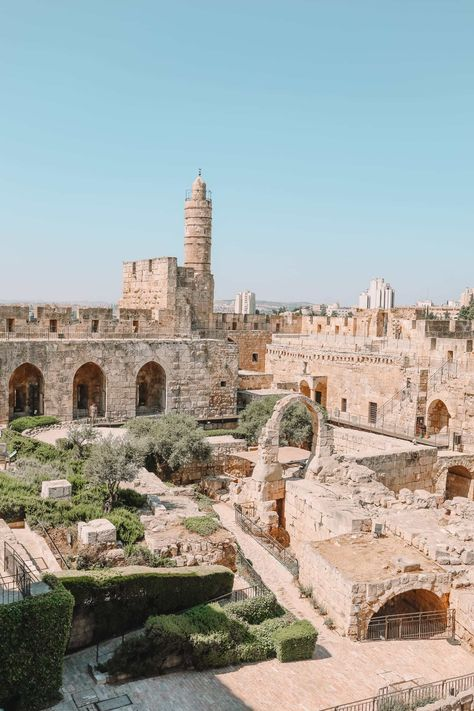 14 Best Things To Do In Jerusalem (Hand Luggage Only) Jerusalem Travel, Old City Jerusalem, Places To Travel, Places To Visit, Dome Of The Rock, Israel Travel, Pilgrimage, World Heritage Sites, Nice View