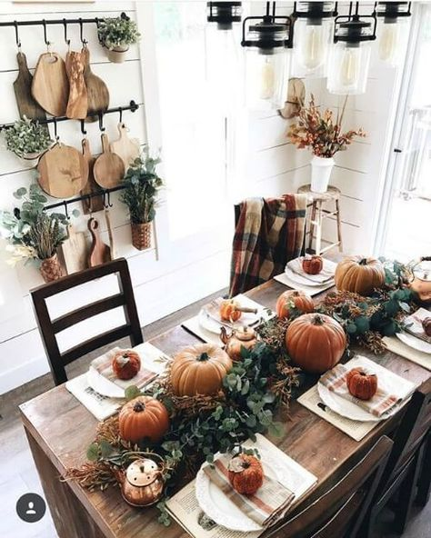 Best Farmhouse Fall Inspiration The Best Farmhouse Fall Decor Inspiration - A huge collection of Farmhouse fall decorating ideas that are completely on-trend, showcasing neutral color palettes with natural materials. The Best Farmhouse Fa.