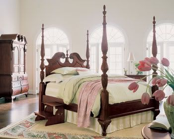 Thomasville Furniture Collectors Cherry King Poster Bed Bed
