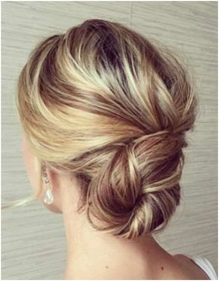 29 Easy Updos For Fine Hair Model Fine Hair Updo Thin Hair Updo Hair Styles