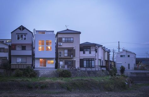1枚目 外観 狭山の家 屋上テラスのある狭小住宅 外観事例 Suvaco