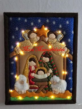 Curso Navideno De Hermoso Cuadro De La Sagrada Familia En Patchwork Con Luces Led Manualidades Navidenas Cuadro Navideno Navidad Patchwork