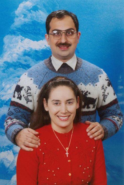 Community Post: Bad Family Christmas Photos! 20 Of The Ho Ho Horrible!