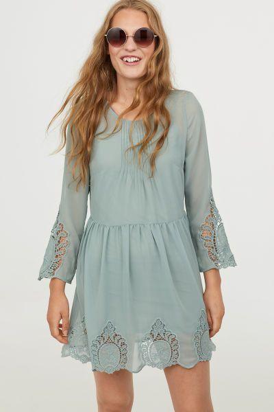 Kleid mit Spitze | Kleid spitze, Lässige sommerkleider und