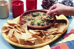 This blender bean dip is a #healthier alternative to store-bought dips. Healthy bean dip for healthy tailgating. | Baylorhealth.com