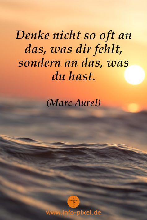 Ein sehr schönes Zitat von Marc Aurel. Sei achtsam im Hier und Jetzt und zeige Dankbarkeit für die kleinen Dinge im Leben und du kannst sofort glücklich sein!  Es dauert eine Zeit bis der Mensch kapiert, dass es im Alltag so viele Dinge gibt für die man dankbar sein kann beispielsweise die Familie, Freunde, einen gesunden Körper, die Sonne, den Garten, genügend Nahrung etc...  Dankbarkeitsübungen für jeden Morgen können dir dabei helfen :) #dankbarkeit #marcaurel #lebensfreude #achtsamkeit