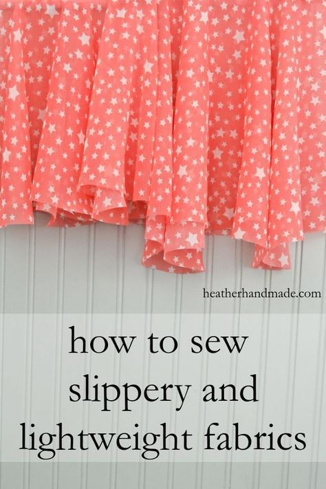 If you love sewing, then chances are you have a few fabric scraps left over. You aren't going to always have the perfect amount of fabric for a project, after all. If you've often wondered what to do with all those loose fabric scraps, we've … Sewing Hacks, Sewing Tutorials, Sewing Tips, Sewing Basics, 1000 Lifehacks, Fat Quarter Projects, Techniques Couture, Leftover Fabric, Love Sewing
