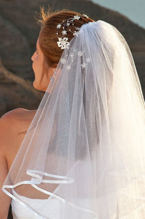 Wedding veil bridal hair accessories #weddings #santorini