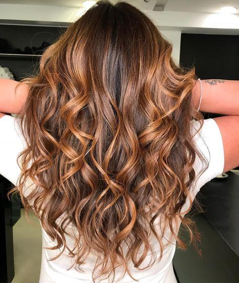 #hairstylist #victorfreirew #brunette #morena #haircolor #morenailuminada @studio_w #alphaville #vemprow #wella #hair #hairstyle #style…
