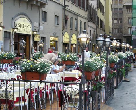 Dining In Florence Italy On The Piazza Della Signoria