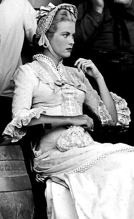 Grace Kelly ~ High Noon, 1952 | Grace kelly, Look