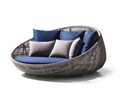Swingrest Is A Daybed Dedon. Equipped With Protective Cover To Protect The  Product From The Weather. Swingrest Was Initially Conceived To Decorate U2026