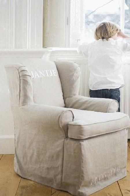 11 Fabulous Living Room Upholstery Cushions Ideas With Images Couch Upholstery Couch Fabrics Upholstery Sofa Upholstery