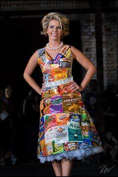 20+Vestidos originales hechos con materiales reciclados