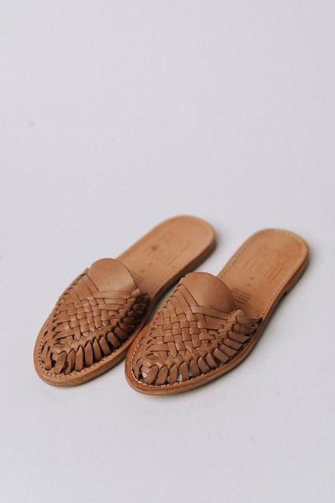 Details: Natural leather slide with braided detail on top. Color: Natural Material: Leather heel Fits true to size Leather Sandals Flat, Flat Sandals, Gladiator Sandals, White Boho Dress, Kinds Of Shoes, Mode Hijab, Summer Shoes, Comfortable Shoes, Shoe Boots