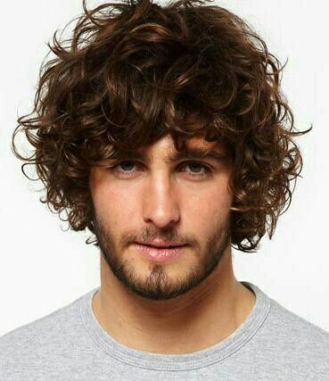 Corte masculino estilo surfista. Veja mais sobre o corte de cabelo estilo surfista no blog Marco da Moda