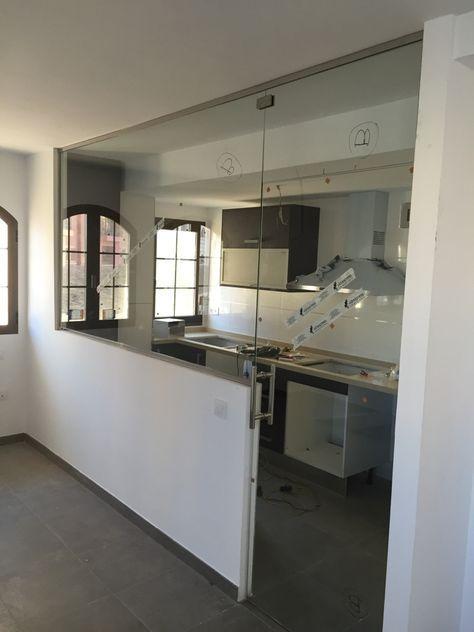 Separacion de cocina-comedor con vidrio templado 10 mm #decoraciondecocinasabiertas