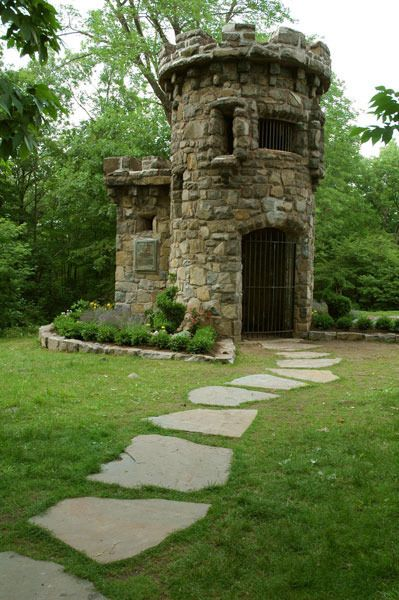 Discover Women's Federation Monument in Closter, New Jersey: A whimsical monument deep in this park commemorates the groups that helped build it. Stone Cottages, Stone Houses, Country Cottages, Tower House, Castle House, Beautiful Castles, Beautiful Places, Small Castles, Garden Cottage