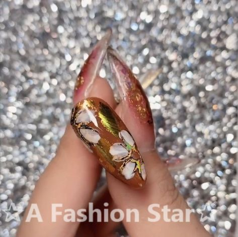 Fall nail art in bronze with gold foil.❤❤❤