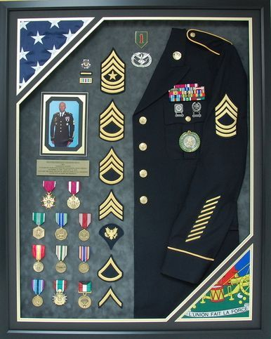 Us Army 32 Year Service Shadow Box Display With Uniform Military