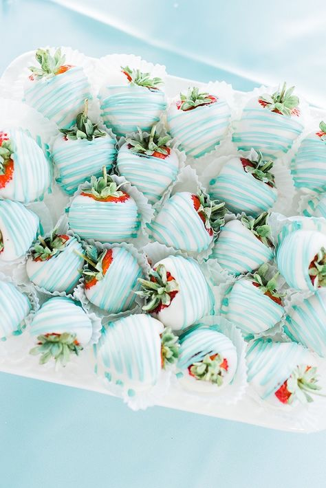 Bridal Shower Blue and white covered strawberries f. - Tiffany & Co. Bridal Shower Blue and white covered strawberries from a Tiffany & Co. -Tiffany & Co. Bridal Shower Blue and white covered strawberries f. - Tiffany & Co. Bridal Shower B. Tiffany Party, Tiffany E Co, Tiffany Birthday Party, Blue Birthday Parties, Tiffany Theme, Birthday Brunch, Tiffany Blue Cakes, Tiffany Sweet 16, Birthday Ideas