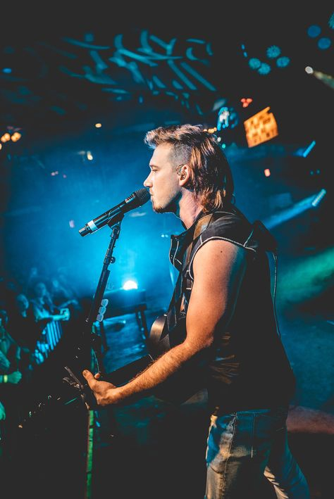 Morgan Wallen Knocks 'Em Out (Not Back) with 'Whiskey Glasses' on His Just-Completed Tour - Modern Bedroom Wall Collage, Photo Wall Collage, Picture Wall, Wall Art, Cute Country Boys, Country Babies, Country Men, Western Wall, Country Artists