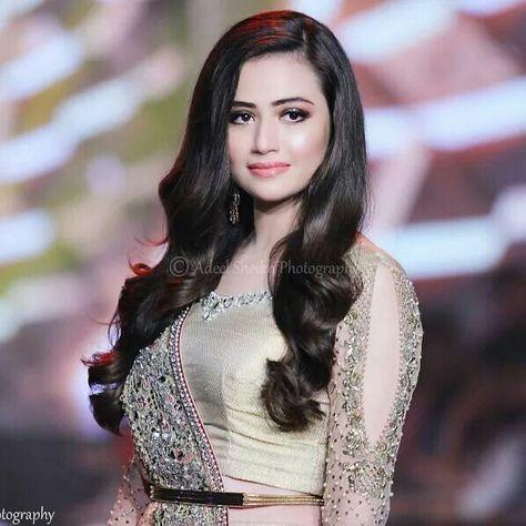 Actress model Sana Javed