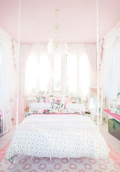 bedroom | Vintage Rose Garden | Bedroom Ideas | Feminine ...