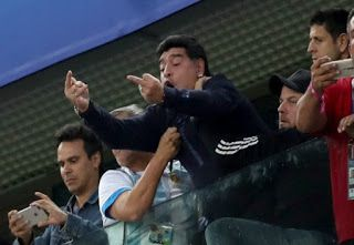 See What Diego Maradona Did To Nigeria After Argentina Scored That Is Causing Anger On The Internet Photo Diego Maradona World Cup Match World Cup