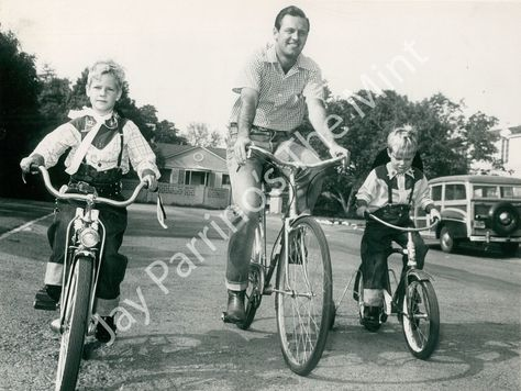 William Holden with his sons Peter and Scott