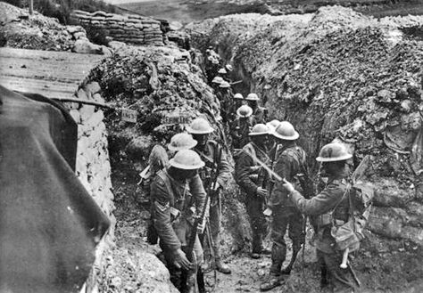 a picture showing the shocking conditions of the WW1 trenches