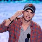 Ashton Kutcher Offered Some Pretty Sound Advice At The Teen Choice Awards