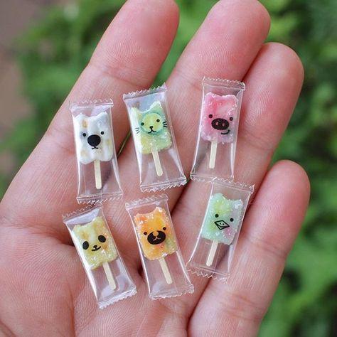 アイスバーあれこれ。なんか不思議な生き物混ざっております😅 それにしても暑いですね!みなさま、熱中症には十分気をつけてくださいね! #miniature  #miniaturefood  #popsicle #sweets #handmade #ミニチュア #ミニチュアフード  #ミニチュアスイーツ  #アイスバー #アイスキャンディー #アイス #ハンドメイド  #てづくり #手づくり #雑貨 #パンダ #カッパ #みすみ工房