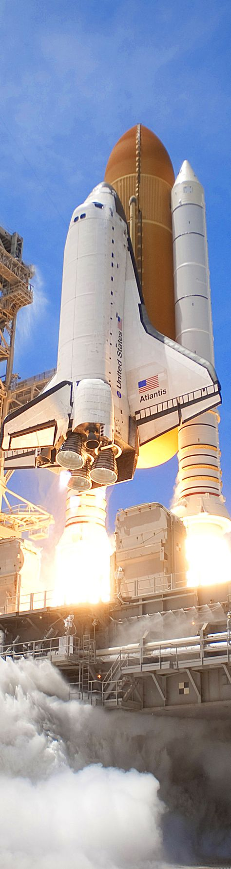 ☼ #aerospace NASA Space Shuttle Atlantis take-off from the Kennedy Space Center in Florida.