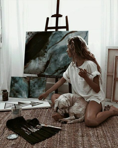 Find images and videos about girl, beauty and art on We Heart It - the app to get lost in what you love. Watercolor Mandala, Artist Aesthetic, Aesthetic Drawing, Aesthetic Painting, Artist Life, Artist At Work, Painting Inspiration, Art Inspo, Studios D'art