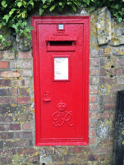 The English Post Box Post Box Antique Mailbox Royal Mail Post Office