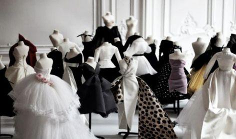 Los diseños más representativos de Dior en una misma exposición.
