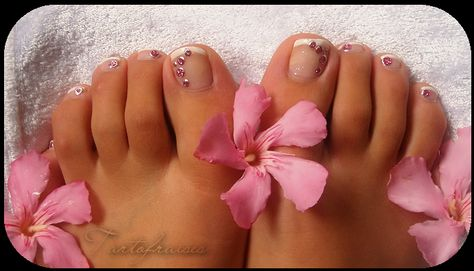 Nail Art Pieds : French manucure et Peel Off's ronds