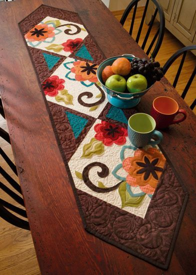 How To Make A Table Runner With Perfectly Straight Edges Quilting Land Skinny Quilts Table Runners Quilted Table Runners