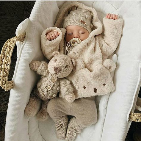 Baby Girl Clothes Set 2019 Autumn Set Cotton T-shirt Pants Headband fall Infant Clothes Newborn Baby Girl Clothing Set – Cute Adorable Baby Outfits Cute Little Baby, Baby Kind, Cute Baby Girl, Little Babies, Cute Babies, Funny Babies, Foto Baby, Cute Baby Pictures, Cute Baby Clothes