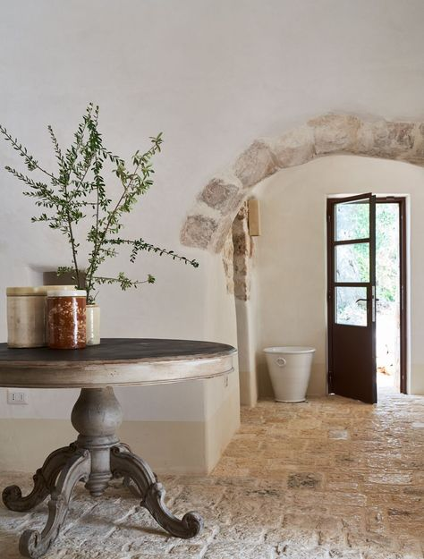 See a Centuries-Old House in Puglia Transformed Lucia Silvestri transforms a classic conical 'trullo' dwelling into a relaxing retreat. Italian Home Decor, Italian Interior Design, Rustic Italian Decor, Rustic Home Interiors, Office Interiors, Cafe Interiors, Rustic Wood Furniture, Furniture Design, Plywood Furniture