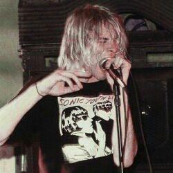 Nirvana Kurt Cobain, Kurt Cobain Style, Kurt Corbain, Donald Cobain, Estilo Grunge, 90s Grunge, Slash, Sonic, Dave Matthews Band