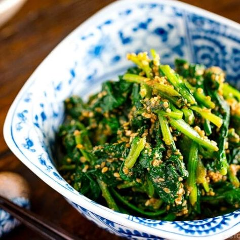 Blanched spinach dressed in a savory nutty sesame sauce, this Japanese Spinach Salad with Sesame Dressing (Spinach Gomaae) is a healthy veggie side dish that goes well with everything. #side #spinachsalad #vegetableside   Easy Japanese Recipes at JustOneCookbook.com