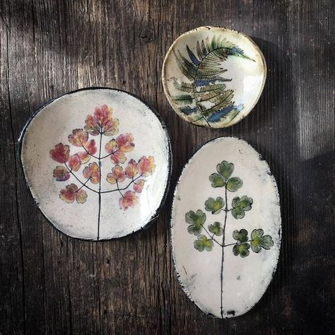 56 creative DIY tableware ideas - Page 26 of 56 - SooPush chic tableware, creative DIY tableware, vintage plates, pottery tableware Love Ceramic, Ceramic Clay, Ceramic Painting, Ceramic Pottery, Pottery Art, Pottery Painting, Diy Tableware, Ceramic Tableware, Clay Projects