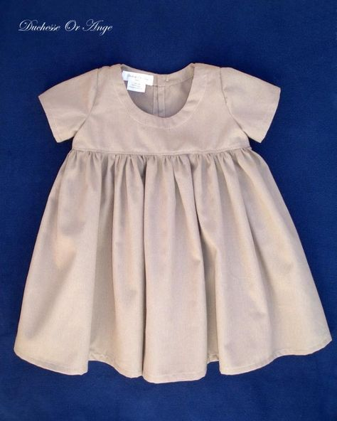 Duchesse Or Ange: Robe en coton marron clair à manches courtes et froncée à la taille - 3 ans/ Light brown cotton dress with short sleeves and gathers at the skirt - 3 years old