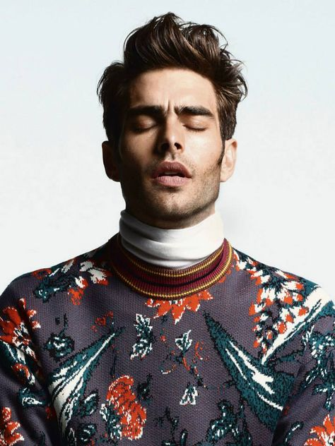Gesundheit! Somebody's been dusting the studio with black pepper. Jon Kortajarena by Greg Swales.